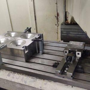usinage-de-moule-mebranne-distributeur-caoutchouc-machine-cnc-301x301